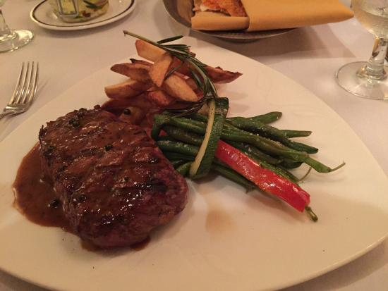 Waterscapes at the Marina Inn : NY Strip, duck fat fries, & haricots verts