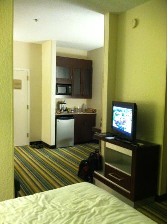 "SpringHill Suites Houston Hobby Airport: better view of ""kitchenette"""
