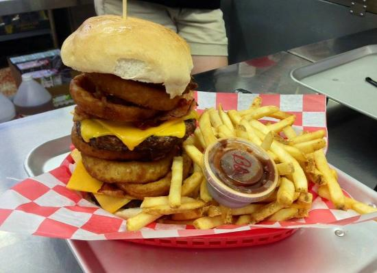 Redline Drive-In: Double KING. 1lb of meat!