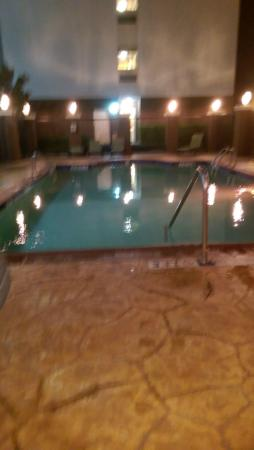 Candlewood Suites Victoria: Poolside