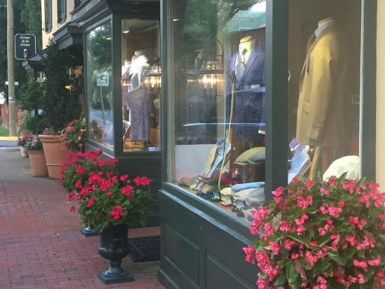Middleburg Country Inn: Shopping