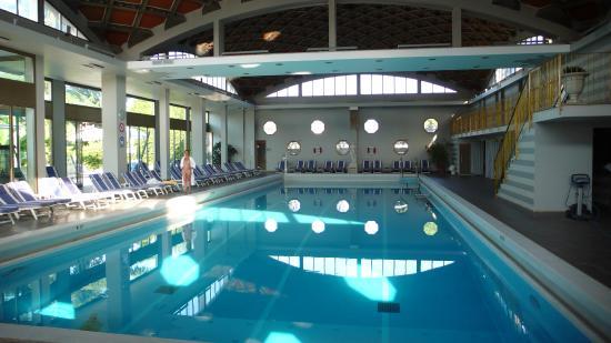 Piscine int rieure fotograf a de abano ritz terme abano for Abano terme piscine