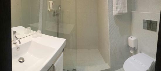 Chambre vue sur cour - Picture of Moov Hotel Evora, Evora ...