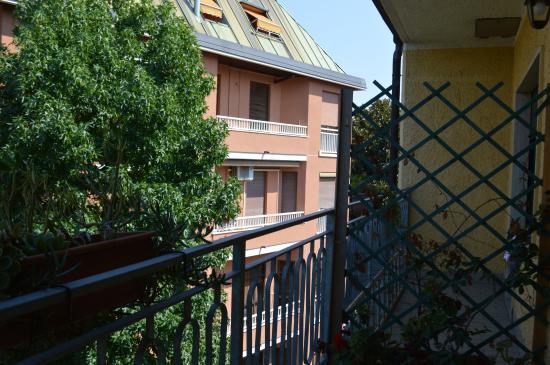 Music Hotel: Balcone in camera