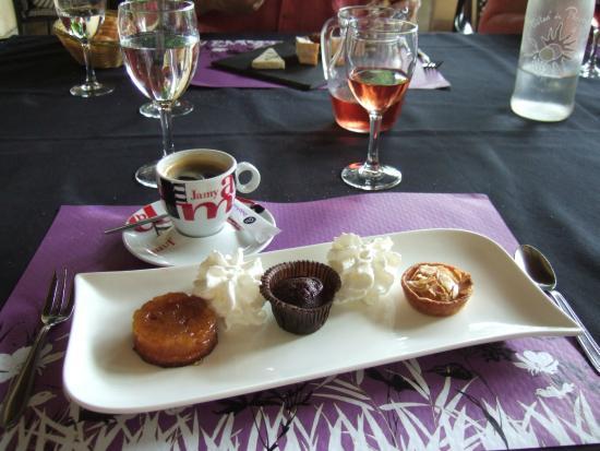 Le Relais du Chateau: Café Gourmande