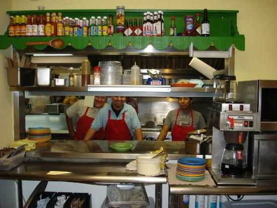 El Reparo Mexican Restaurant: The cooks who make the yummy food.