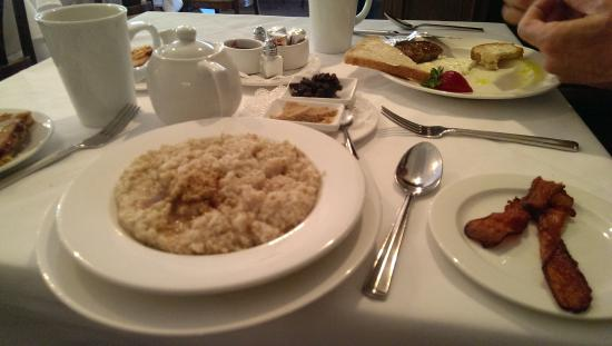 Ballard, Californien: Oatmeal, in restaraunt is one of many good choices