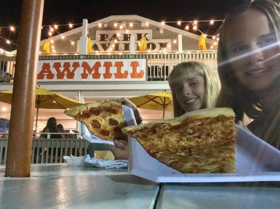 Sawmill : Slices & Garlic Knots are the best!