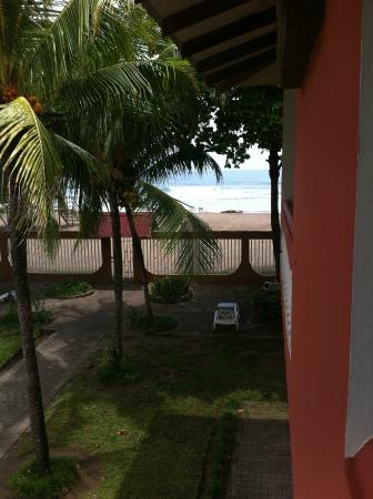 Apartotel Flamboyant : You can see the beach from the room's balcony!