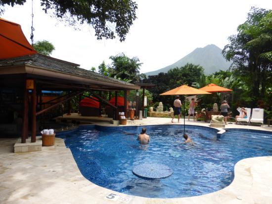 Pool And Pool Bar Picture Of Nayara Resort Spa Gardens La Fortuna De San Carlos Tripadvisor