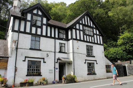 Braich Goch Bunkhouse and Inn: entrance
