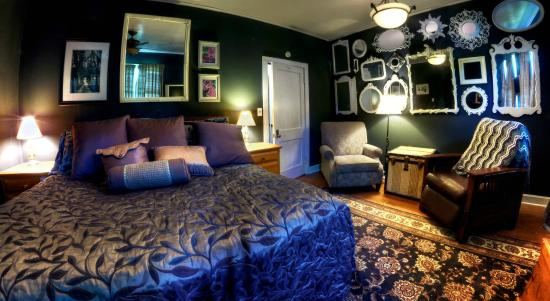 New York House Bed & Breakfast: King Suite