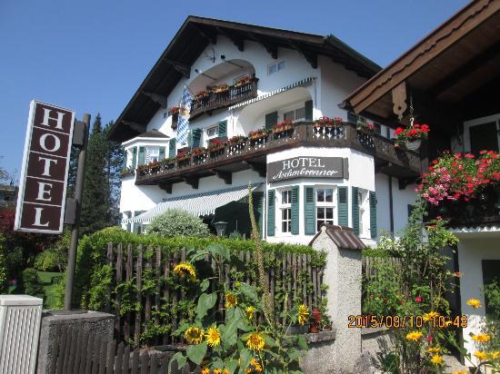 Hotel Aschenbrenner: inviting exterior