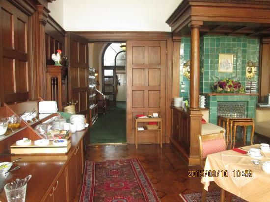 Hotel Aschenbrenner: dining area for breakfast