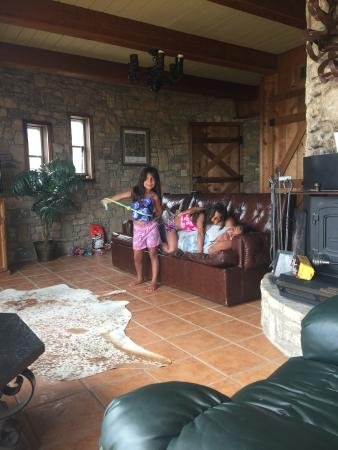 We really enjoyed our stay at the X Bar Ranch Round House! We can't wait to come again! We saw T