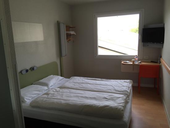 Ibis budget Hotel Hamburg City Ost: Simple hotel room