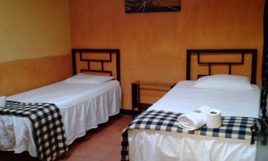 Hostel La Quinta: double room