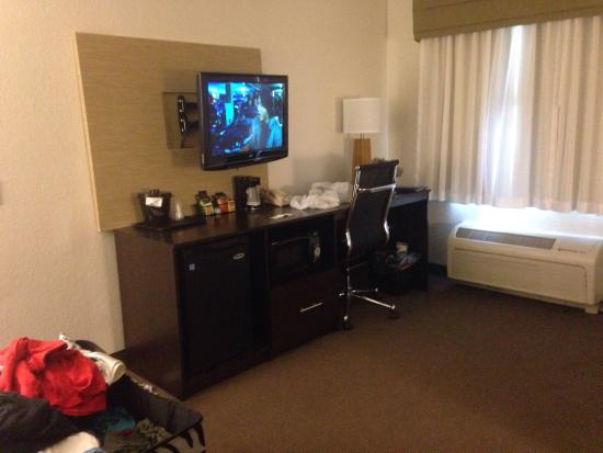 MainStay Suites Pittsburgh Airport: photo2.jpg
