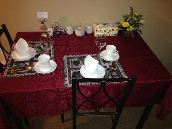 Angel's Hideaway: In-room breakfast table