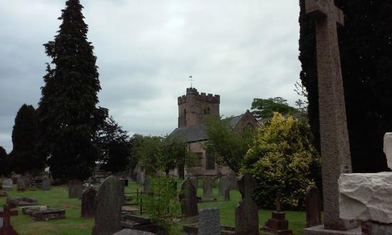 Usk Priory Church of St Mary: De kerk van usk