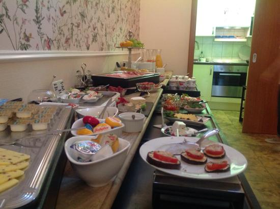 Hotel Domstern: Breakfast