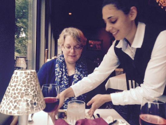 The English Inn Kellie delivering top tier table service!  sc 1 st  TripAdvisor & Elegant table setting and presentations. - Picture of The English ...