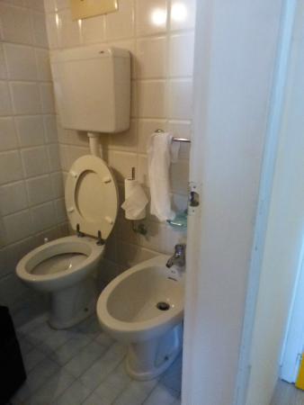 bagno - Foto di Hotel Germania, Jesolo - TripAdvisor