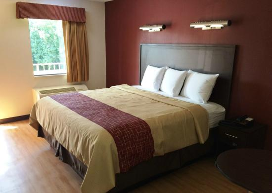 Red Roof Inn Birmingham East - Irondale: Deluxe King