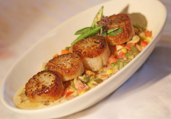 Harvest on Main: Scallops Special