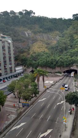 Merlin Copacabana Hotel: Quarto com final 06.. Virado para a pista