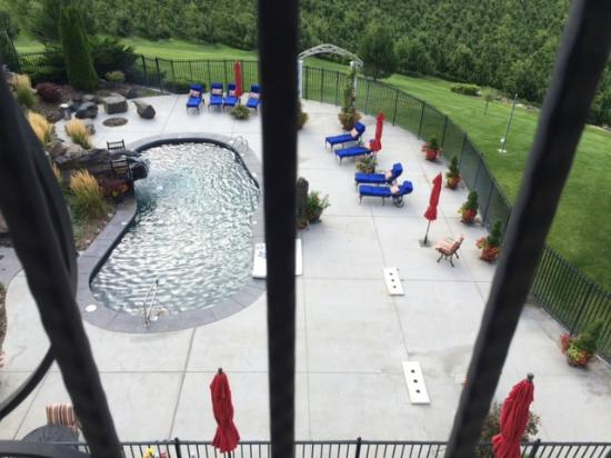 Touchet, WA: View of the pool area