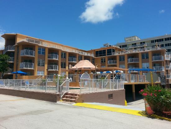 SeaSpray Inn Beach Resort: Back of hotel