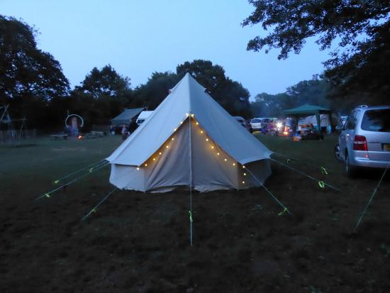 Wowo Campsite: Bell tent with solar lights