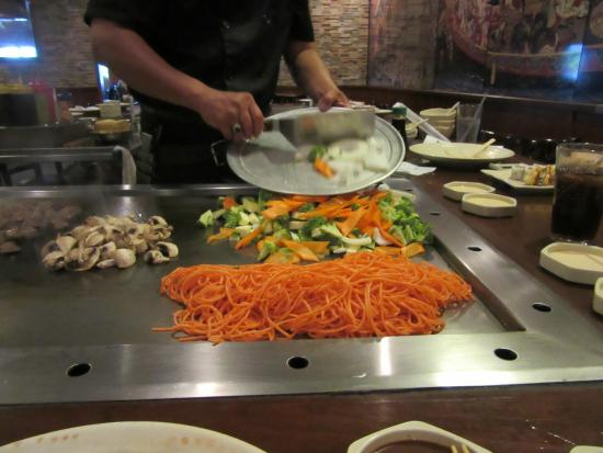 Mikado Japanese Steak House and Sushi Bar: Veggies beginning and orange spaghetti?
