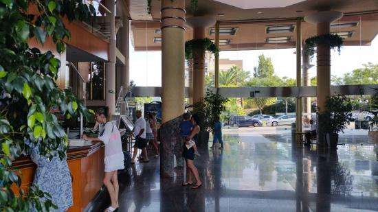 Hotel-Aparthotel Dorada Palace: לובי המלון