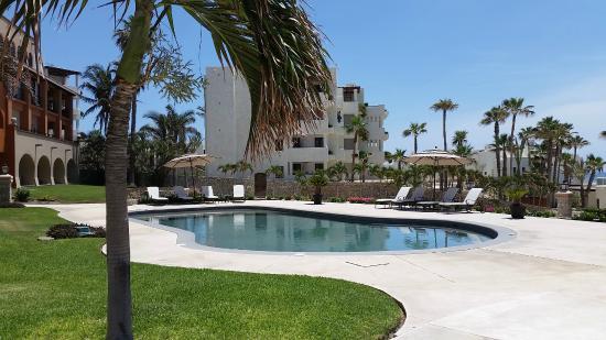 Casa Del Mar Beach Condos: Smaller pool for condos/hotel - no ocean view