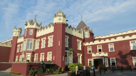Fitzpatrick Castle Hotel Dublin Beautiful Exterior Of