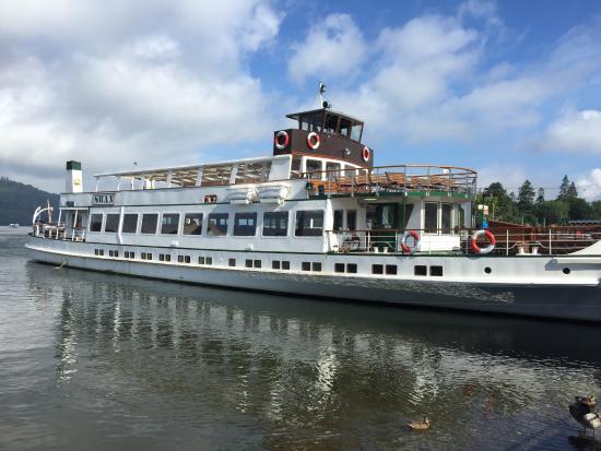 Bowness-on-Windermere, UK: The swan lake cruiser
