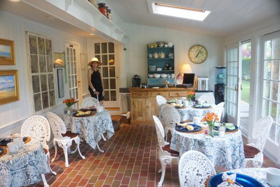 Chatham Gables Inn: Breakfast room