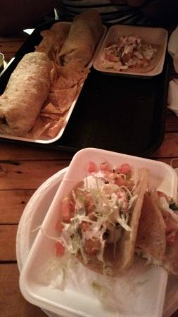 El Zarape: Great Burritos!