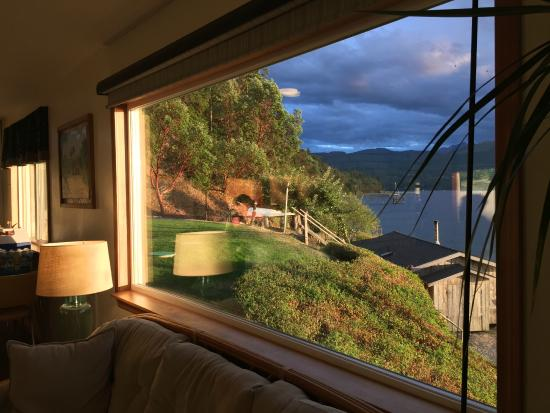 Sunset Marine Resort: Beautiful view from the living room window