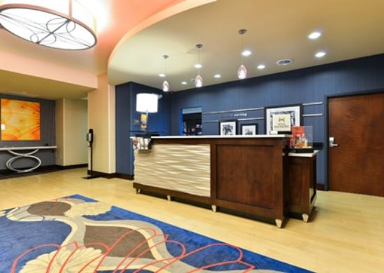Hampton Inn Corning/Painted Post : Hotel Lobby