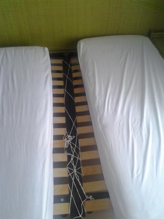 """Hotel Rivadoro : """"letto matrimoniale""""fai da te"""