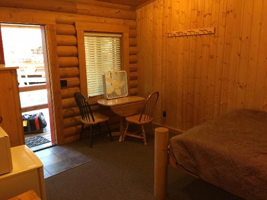 Teton Valley Cabins: Room 16 from bathroom