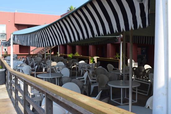 Wanna Wanna Inn: Restaurant Seating