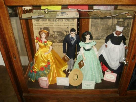 Jefferson, Teksas: Dolls with Designed Clothing