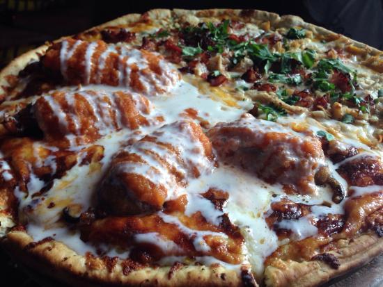 Excellent Pizza Review Of Pizza Del Perro Negro Cancun Cancun Mexico Tripadvisor