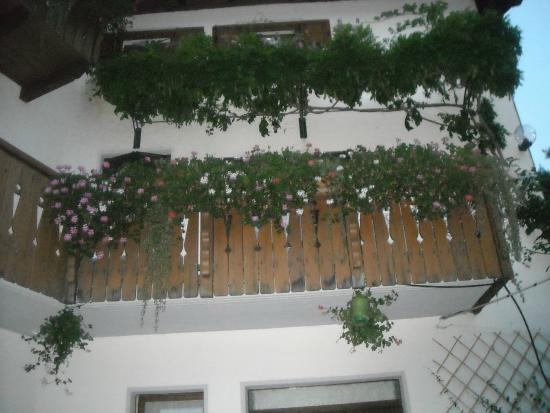 Agritur Maso Nello: Tante decorazioni floreali