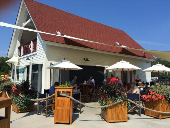Oliver's at Cozy Harbor: Oliver's restaurant