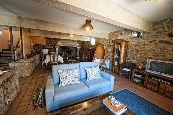 Casa rural entremuros farmhouse reviews price - Casa rural carballo ...